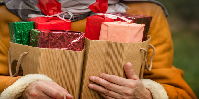Holiday gifts for hosts that won't break your budget