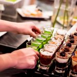 10 tricks to drastically reduce your next restaurant bill